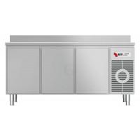 Kühltisch KTF 3220 M mit Arbeitsplatte und Aufkantung von KBS