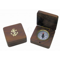 SeaClub Kompass in Holzklappbox eingearbeitet