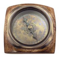 SeaClub Kompass auf Holzsockel Hauptansicht